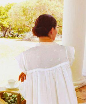 Karangan bunga pakaian tidur katun mewah. Pakaian tidur katun mewah untuk wanita.