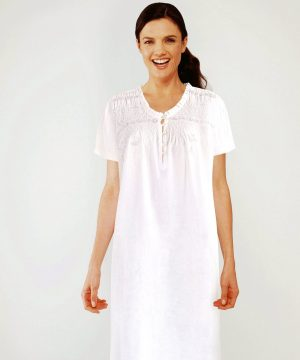 Luxury cotton nightwear Lola.