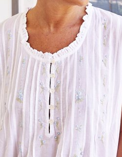 White cotton nightgown Ribbons of flowers