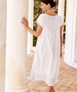 Rose Trelliscotton sleepwear for women.