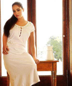 Jedwabna koszula nocna damska Monica. Bielizna nocna z jedwabiu dla kobiet.